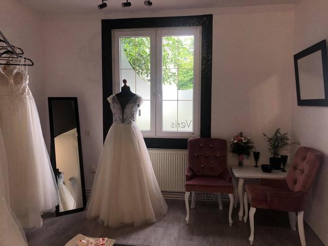 Suknie Ślubne VERIS - obrazek 1
